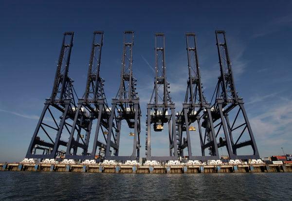 Cranes on the dock at Felixstowe